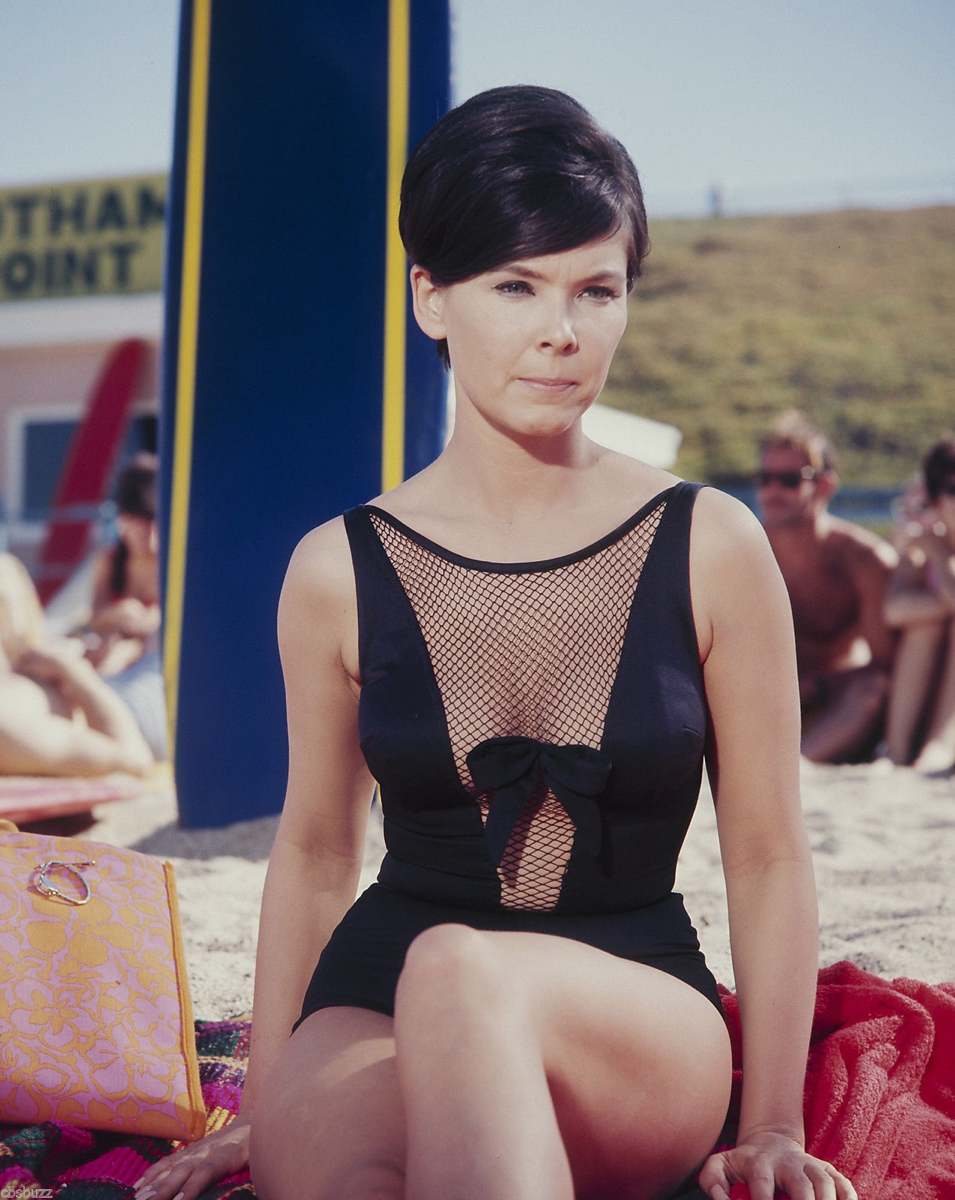 Yvonne Craig Yvonne Craig new picture